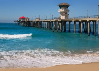 bigstock-Huntington-beach-Surf-City-USA-51746371-e1482472166680-1000x630
